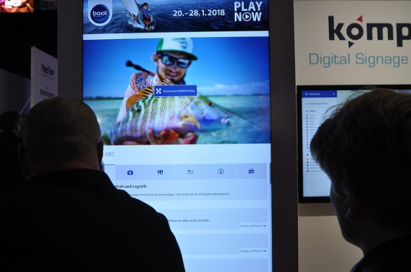 ISE Digital Signage Highlights mit kompas